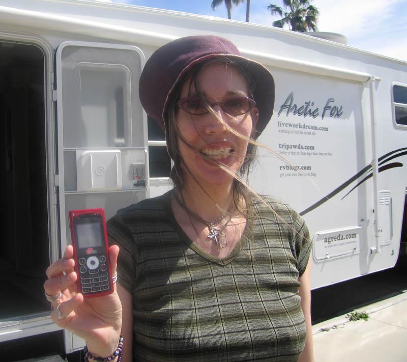 Coffeesister Endorses Virgin Mobile Cell