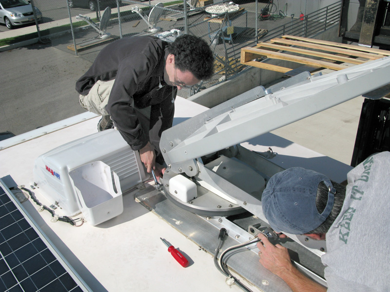 MotoSat Tech Support Mike on the LiveWorkDream RV Roof
