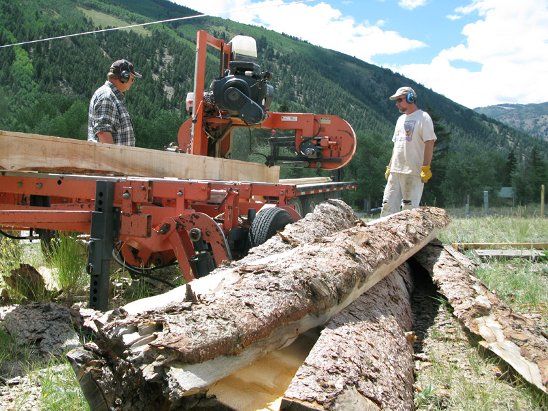 Milling Lumber on Portable Woodmizer Mill