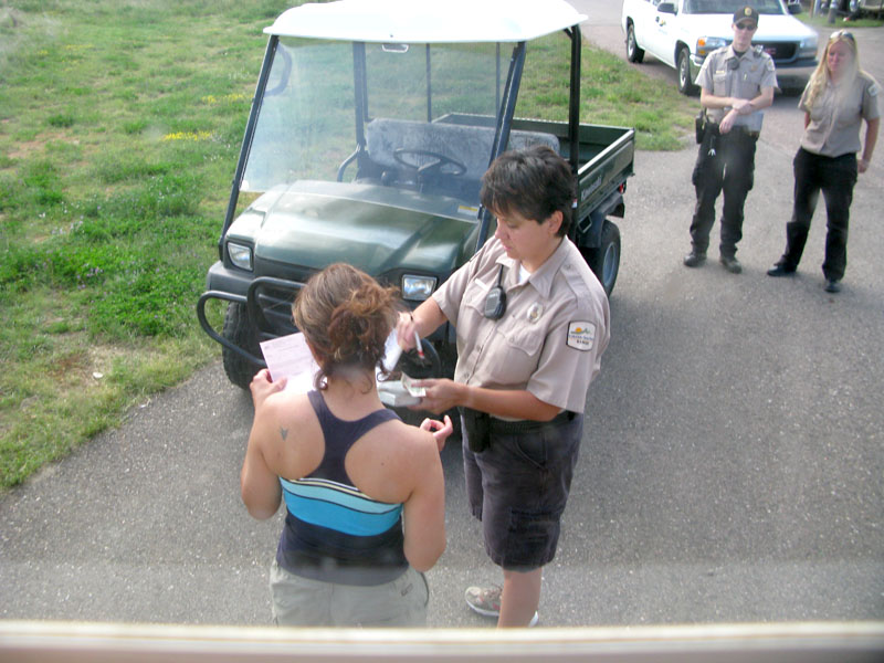 colorado park ranger calls for backup to issue citation