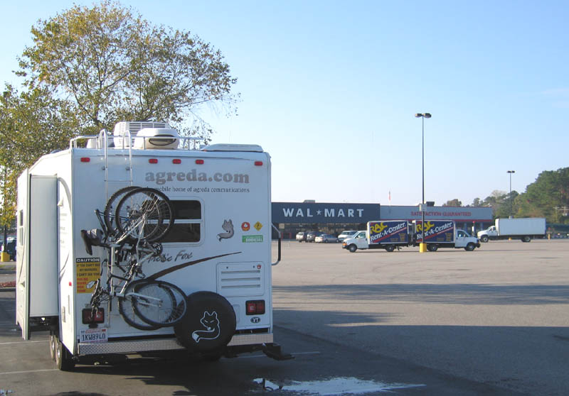 Boondocking at WalMart in Elizabethtown North Carolina