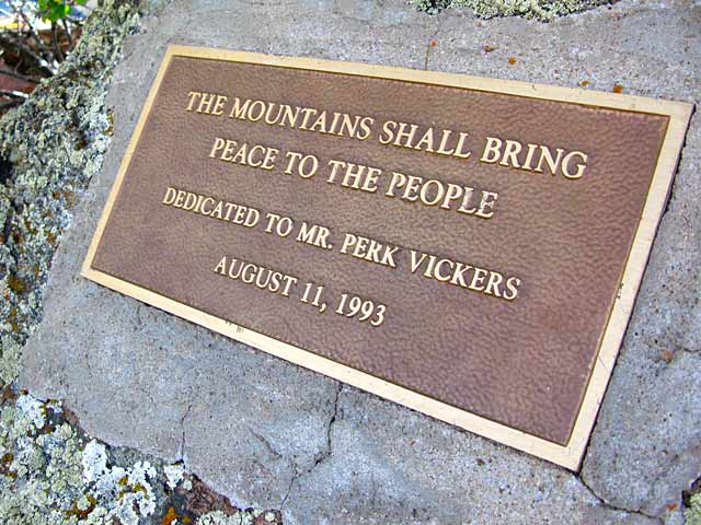 Perk Vickers dedication plaque at Gold Hill Cookout