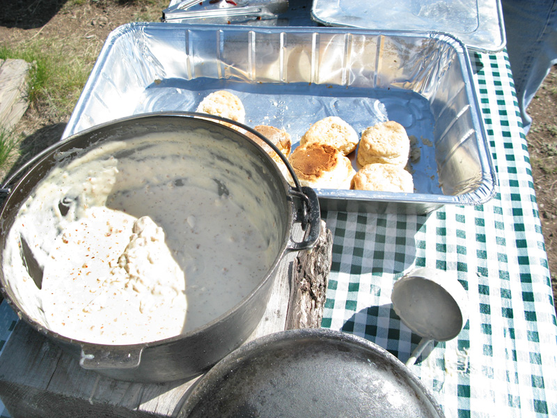 Best Biscuits and Gravy on Breakfast Horse Ride