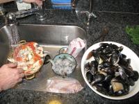 Cleaning Fresh Shellfish for Cioppino