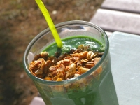 Super Green Muck Spirulina Smoothie with Homemade Granola