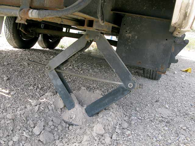 RV scissor jacks