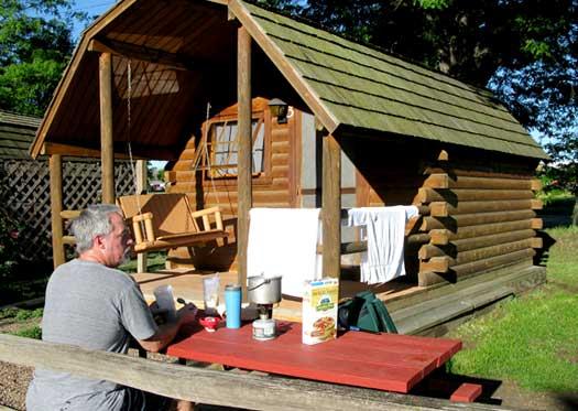 vandwelling, KOA, cabin, camping, road trip