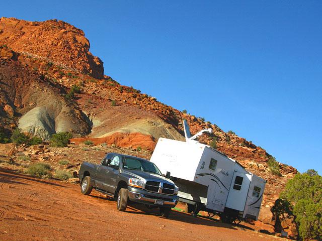 Mobile Tripawds HQ at Capitol Reef Utah