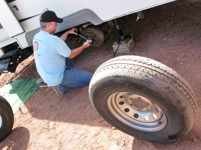 Changing Damaged Trailer Tire
