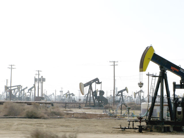 Wasco California Oil Field Rigs