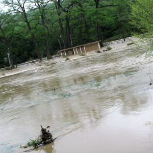 20100416w_flood-river01