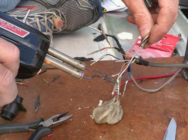 Rewiring MotoSat F2 Satellite Internet D3 Control Cable
