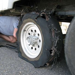 Changing-Fifth-Wheel-Trailer-Tire-Blowout