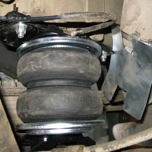 AirLift-5000-Air-Bags-on-Dodge-Ram-2500-4WD